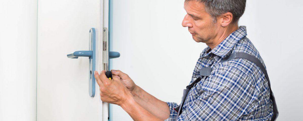 faites appel à un serrurier pour débloquer votre porte